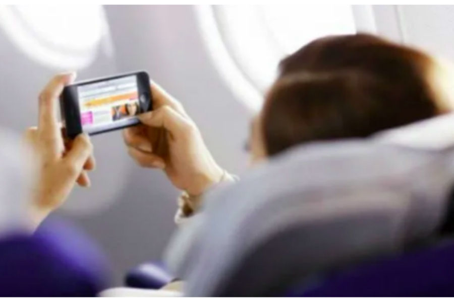 mobile-phone-use-in-flight