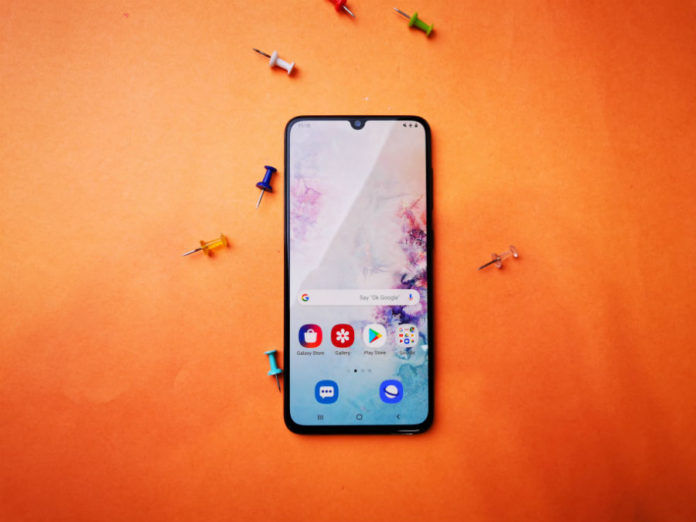 Samsung Galaxy A70 a50 price cut in india by rs 5000 offline retail store sale offer