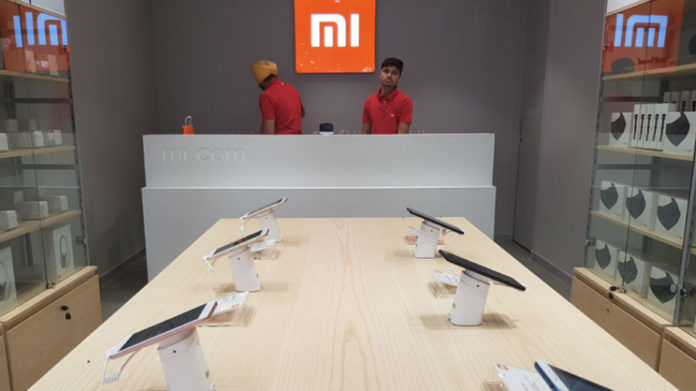 xiaomi miui 12 announced launching soon advance features dark mode
