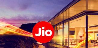 Reliance jio subscribers reach 38 crores last financial quarter 1284 crore GB 87634 minute voice call