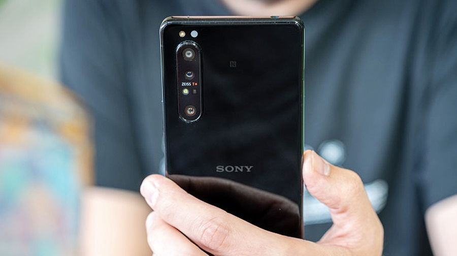 Sony Xperia 5 II launched 120hz refresh rate display specs price sale